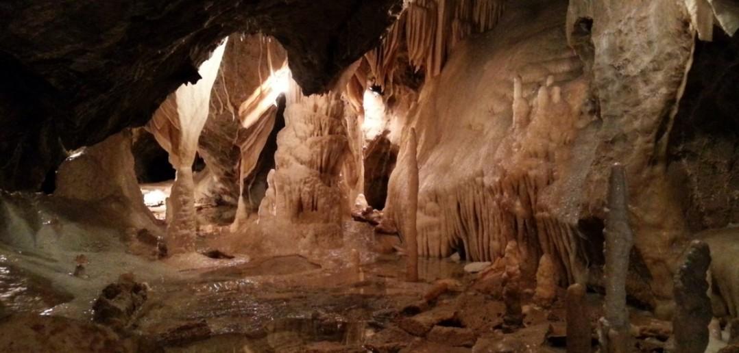 Die Tropfsteinhöhle Atta im Sauerland ist eine der größten ihrer Art. (#1)