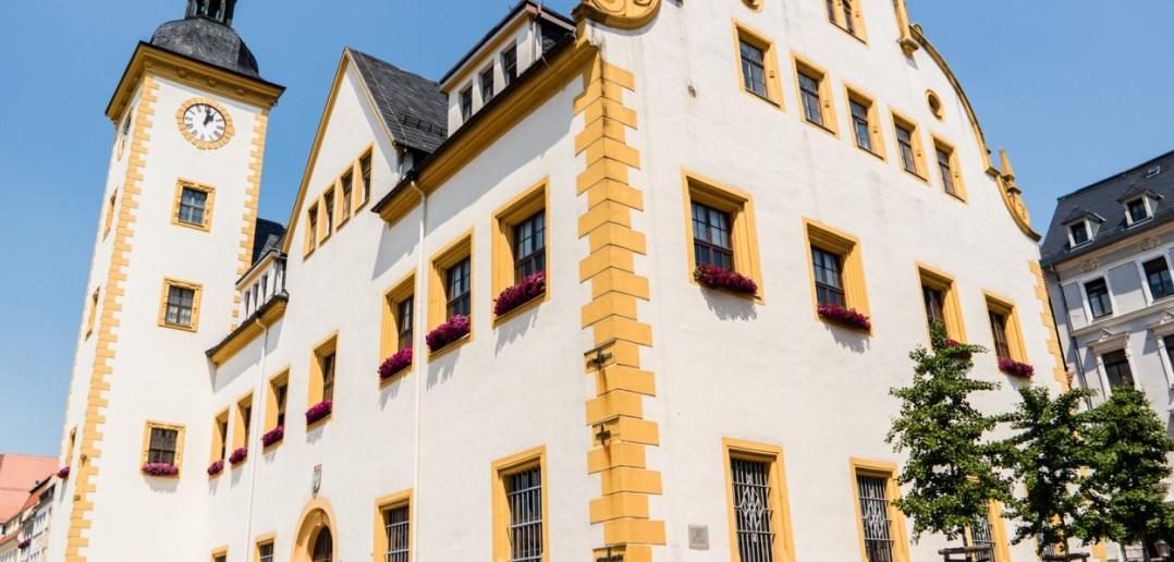 Das Freiberger Rathaus aus dem 15. Jahrhundert ist bekannt für sein Glockenspiel. (#5)