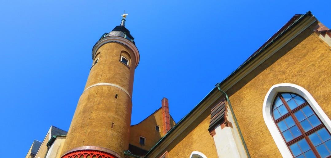 Die Freiberger Stadtkirche St. Petri auf dem Petriplatz wurde Anfang des 13. Jahrhunderts errichtet. Sie ist eines der vielen Wahrzeichen von Freiberg in Sachsen. (#8)