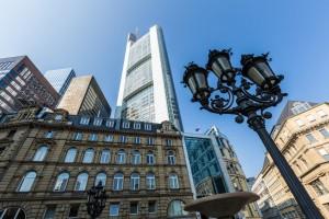 Die Frankfurter Innenstadt ist von der nüchternen Architektur der Banken geprägt