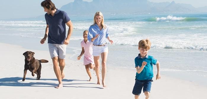 Der Vierbeiner ist ein Familienmitglied und klar möchte er auch mit in die Ferien, in den Urlaub