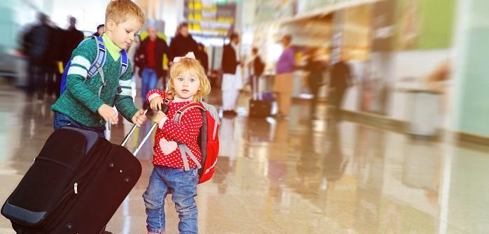 Zwei Zwerge on Tour: Zwei Kleinkinder fliegen