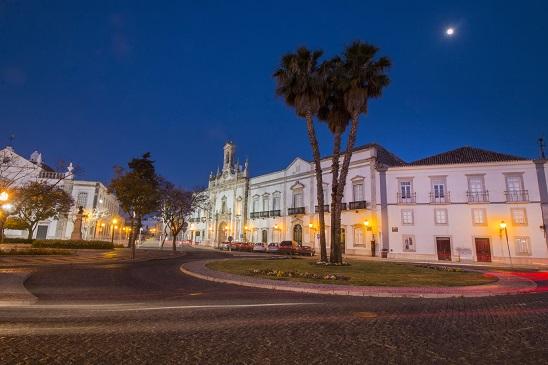 Neben seinen zwei Palästen hat Faro noch viel mehr historisches zu bieten. Wenn sie also mal nicht an den Strand wollen, dann gibts viel schönes zu betrachten