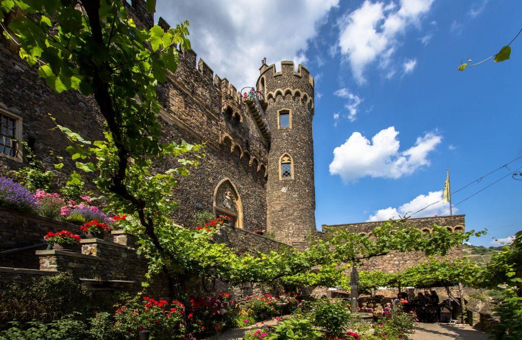 Burg Reichenstein ein besonderer Platz so hoch über dem Rhein und auf jeden Fall eine besondere Burg