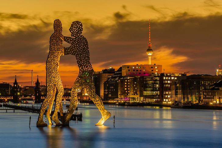 Berlin bei Nacht: Allein dafür lohnt sich schon eine Städtereise
