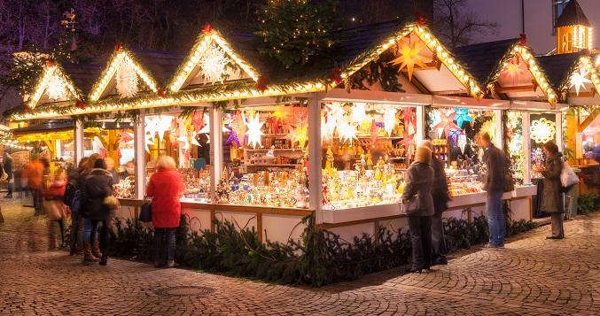 Der Weihnachtsmarkt ist ein besonderer Ort um sich mit Freunden zu treffen