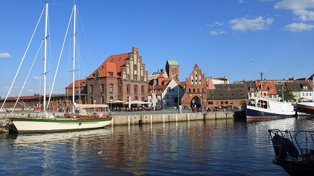 Wer seinen Sommerurlaub an der Ostsee gerne auf dem Festland verbringen möchte, der sollte unbedingt die Städte besuchen. (#02)