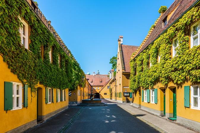 Die Fuggerei, den Augsburger Tiergarten, die Prachtbauten und der Perlachturm sind nur einige Beispiele für die zahlreichen spannenden Sehenswürdigkeiten, die sich hier entdecken lassen.(#20)