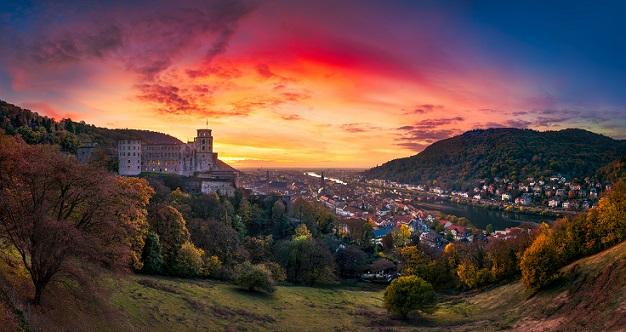 Die einstige kurpfälzische Residenzstadt Heidelberg ist heute vor allem als Universitätsstadt bekannt und begrüßt alljährlich zahlreiche Touristen. (#08)