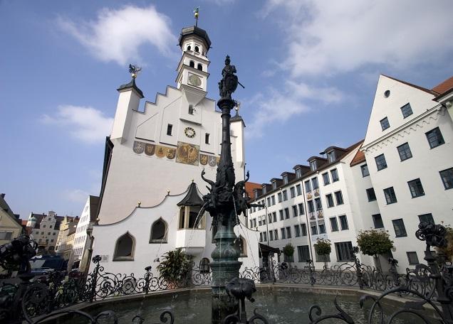 Kempten gehört zu den ältesten Städten Deutschlands und liegt zentral zwischen Bodensee, Vorarlberg und Tirol. (#13)