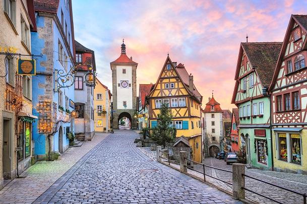 Rothenburg ob der Tauber entführt seine Besucher in das Mittelalter, denn die Stadt selbst ist für dieses Bild bekannt. (#10)