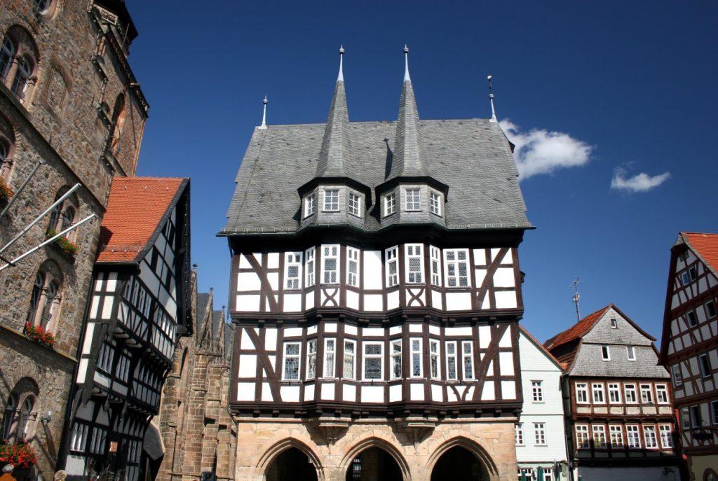 Alsfeld: Bilder vom alten Rathaus und den anderen Zeugen aus der Vorzeit fangen die beschauliche Stimmung der Stadt im Vogelsbergkreis ein. (#6)