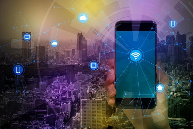 Zusätzlich zum Handy kann sich ein GPS-Gerät als hilfreich erweisen. Es unterstützt bei der Orientierung. (#03)