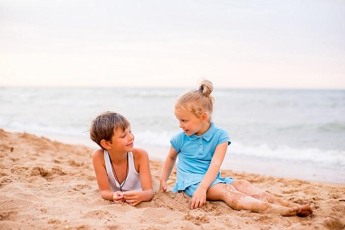 Auch wenn es auf den ersten Blick nicht so aussieht, so gibt es an der Nordsee viele Möglichkeiten für einen Familienurlaub. (#01)