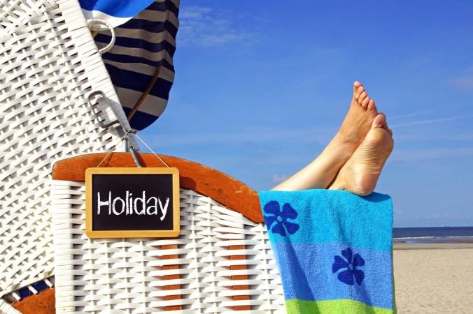 Am Strand von För kann man sich einen Strandkorb mieten und mal ganz bequem die Füße hochlegen - man muss ja nicht immer etwas tun (#3)