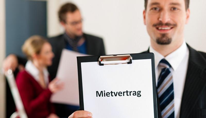 Unabhängig davon, ob man ein Haus oder auch nur ein Zimmer in Neufahrn oder in einer anderen Stadt in Deutschland mieten möchte, gibt es immer Dinge, die man vorab beachten sollte. An erster Stelle steht dabei natürlich der Mietvertrag. (#03)
