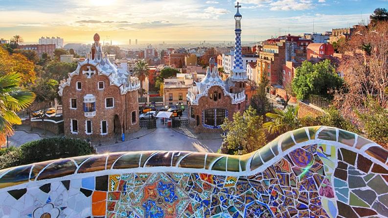 Barcelona, Madrid, Valencia – bei Städtereisen in den Südwesten von Europa, denken die Meisten zu allererst an diese drei (ohne Frage auch immer sehr lohnenswerten) Städte. (#05)