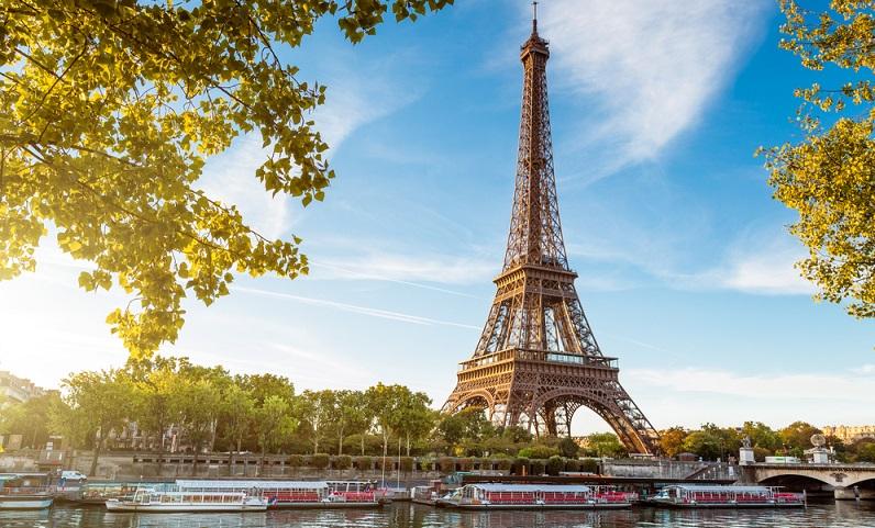 Die vielseitigen Städte Europas locken mit einer unüberschaubaren Anzahl an Hotels für jeden Geschmack, einem reichhaltigem Kultur-Angebot und nicht zuletzt beeindruckenden Sehenswürdigkeiten. (#01)