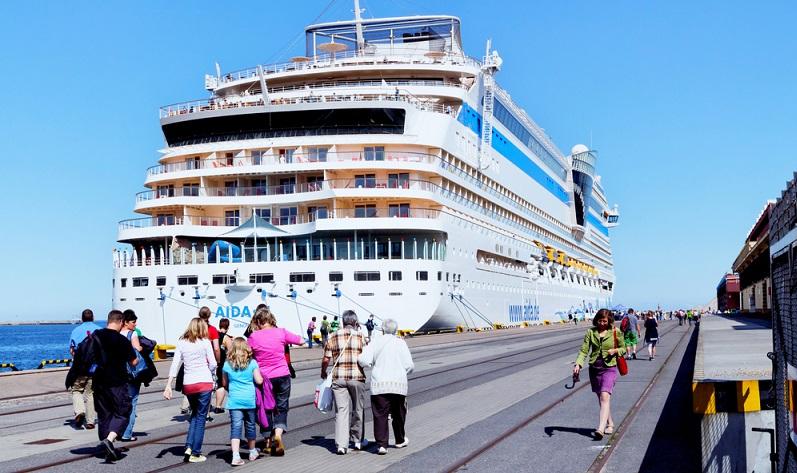 Ob beim angebotenen Kurztrip über vier Tage oder der 12-Tage-Rundfahrt – die Navigation übernimmt der Kapitän und der Urlauber kann sich entspannt zurücklehnen. (#01)