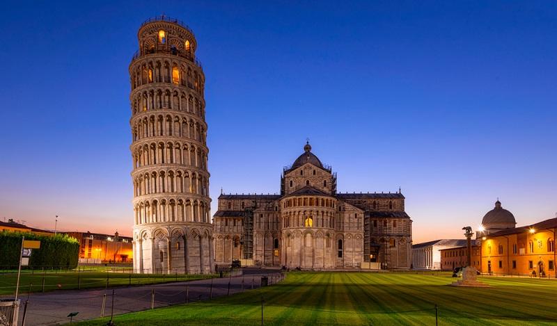 Auf historische Entdeckungstour kann man z.B. ganz wunderbar in den sehenswerten Städten Italiens, gehen. Einige der schönsten: Pisa, Capri, Bologna, Verona und natürlich Klassiker wie Rom, Mailand und Florenz. (#05)