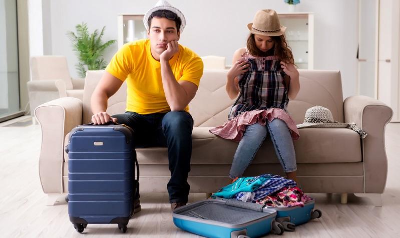Die Reiserücktrittsversicherung endet in dem Moment, in dem der Reisende die Fahrt antritt. (#01)