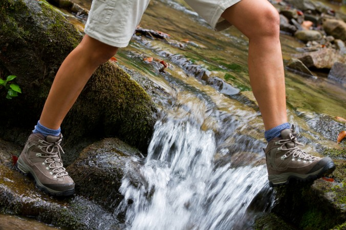 Wer in der freien Natur Deutschlands das Abenteuer sucht, für den ist festes Schuhwerk unerlässlich. Gute Wanderschuhe sorgen jederzeit für festen Tritt und garantieren ein gutes Maß an Sicherheit - und das auf jedem Untergrund. (#2)
