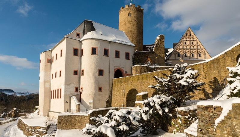 Gerade Kinder kommen auf der Burg Scharfenstein nicht mehr aus dem Staunen heraus. Der Grund dafür: Eine große Sammlung an Holzspielzeug, die die ehemaligen Erzgräber aus dem Erzgebirge in Sachsen hergestellt haben. (#01)