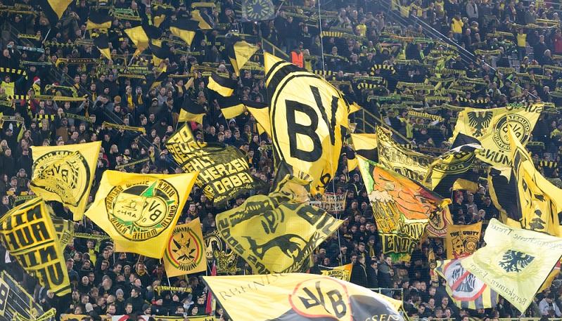 Der BVB ist zumindest in einer Hinsicht jedes Jahr wieder Deutscher Meister: Der Verein verkauft mit Abstand die meisten Dauertickets. (#02)
