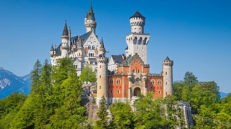 Sehr beeindruckend ist das mittelalterliche Hohe Schloss Füssen. Wenn Sie dieses besichtigen, erhalten Sie einen faszinierenden Einblick in die Baukunst dieser Zeit. (#05)