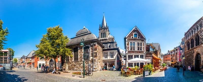 Die Hochschulen in Aachen scheinen mit der Stadt verwachsen zu sein, daher sind auch die meisten Studenten in der Innenstadt bzw. in der Altstadt zu finden.