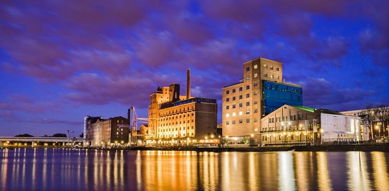Besonders attraktiv dürfte an Duisburg der Mietpreis sein, der sich auf rund 5,54 Euro je Quadratmeter eingepegelt hat. (#01)