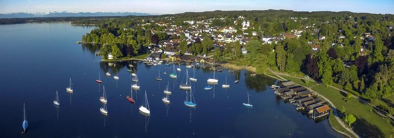 Wer die schönste Zeit des Jahres in Deutschland verbringen möchte, hat einige Reiseziele zur Auswahl. Soll es der Süden Bayerns mit seinen bekannten Seen, wie dem Chiemsee, Starnberger oder Ammersee, sein?