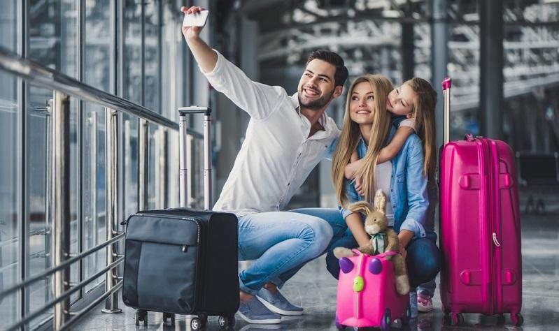Der Pass alleine ist für die Einreiseerlaubnis nicht ausreichend. Darüber hinaus ist eine weitere Genehmigung notwendig. Dabei kann es sich entweder um ein Touristenvisum oder um eine ESTA-Genehmigung handeln.