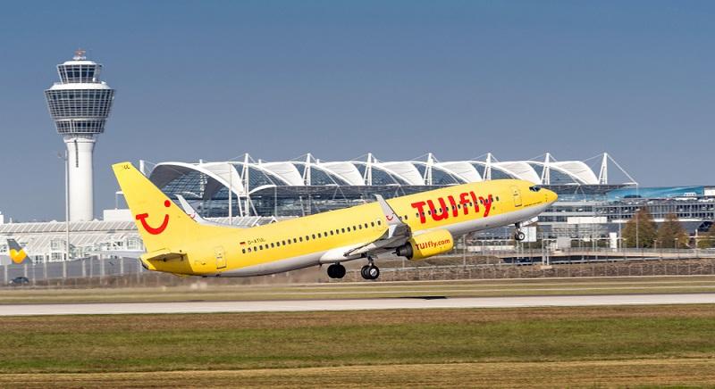 Die Fluggesellschaft TUIfly gehört zum Reisekonzern TUI und hat ihren Sitz am Flughafen Langenhagen bei Hannover.