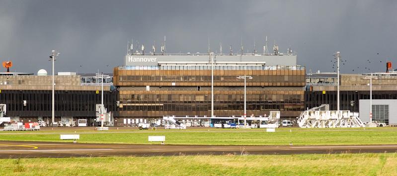 Der Flughafen Hannover-Langenhagen ist der wichtigste internationale Airport in Niedersachsen und als Heimatbasis der Airline TUIfly gleichzeitig wichtigster touristischer Flughafen Norddeutschlands.