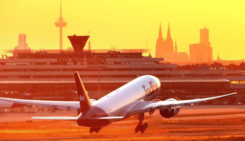 Der Frankfurter Flughafen ist nicht nur der mit Abstand größte internationale Flughafen Deutschlands, sondern auch eines der wichtigsten Drehkreuze in Europa.