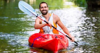 Kajak fahren: Leitfaden & Tipps für Anfänger & Fortgeschrittene