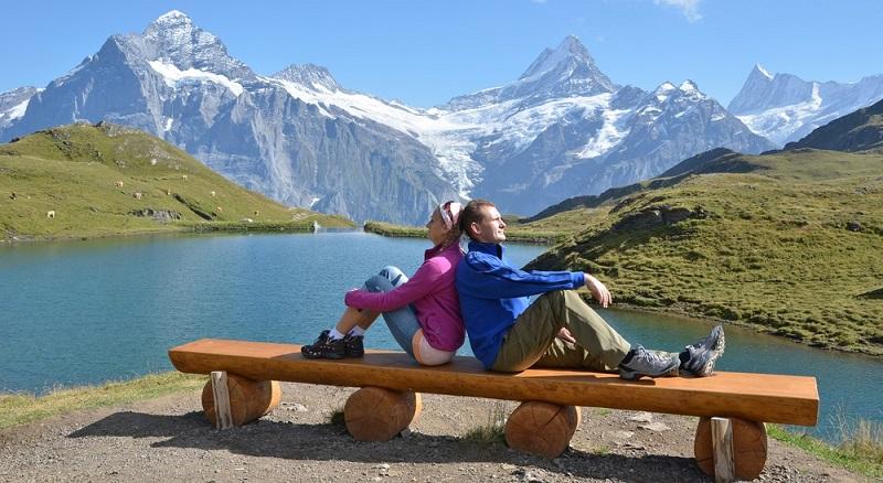 Auswandern aus Deutschland in die Schweiz (18.266) Menschen jährlich.