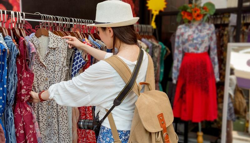 Urlaubs Shopping macht sehr viel Spaß, kann aber auch schnell ausarten und den Platz im Gepäck sprengen.