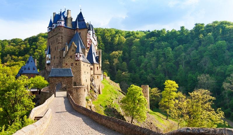 Historische Burgen faszinieren. Ganz besonders dann, wenn sie noch im Originalzustand sind.
