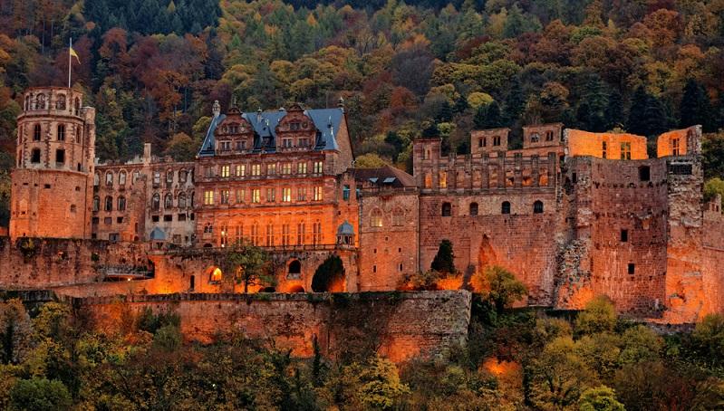 Auch wenn das Schloss Heidelberg eine Ruine ist, ist es eines der beeindruckendsten Schlösser in Deutschland und eine der schönsten Burgruinen in Süddeutschland.