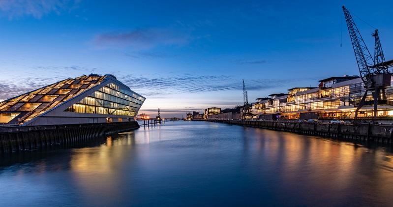 Innerhalb der EU bzw. innerhalb Deutschlands nehmen die Sehenswürdigkeiten in Hamburg einen ganz besonderen Stellenwert ein. ( Foto: Shutterstock-Seifert Fotografie  )