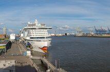 Schiffe auf der Elbe: Hier sieht man die fettesten Pötte ( Foto: Shutterstock- fritschk )