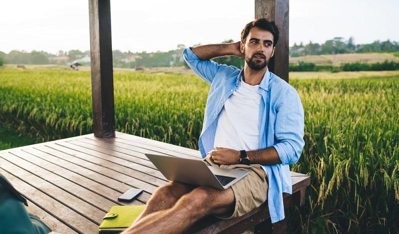 Lernen hört nie auf. Lebenslanges lernen auch im Urlaub ( Foto: Shutterstock-GaudiLab)